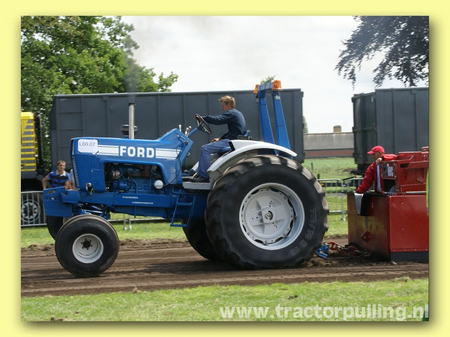 Ford Pulling Tractors : Ford pulling tractor